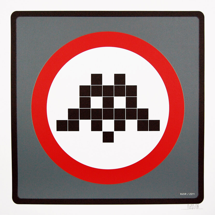 Space Invader - Warning Invader (Grey)