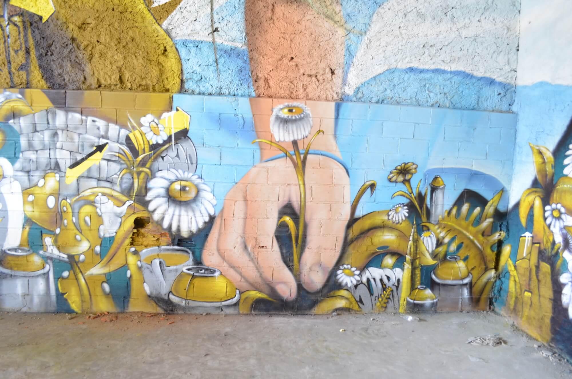 Street Artists BKfoxx and Zeso paint Alices Wonderland 2017