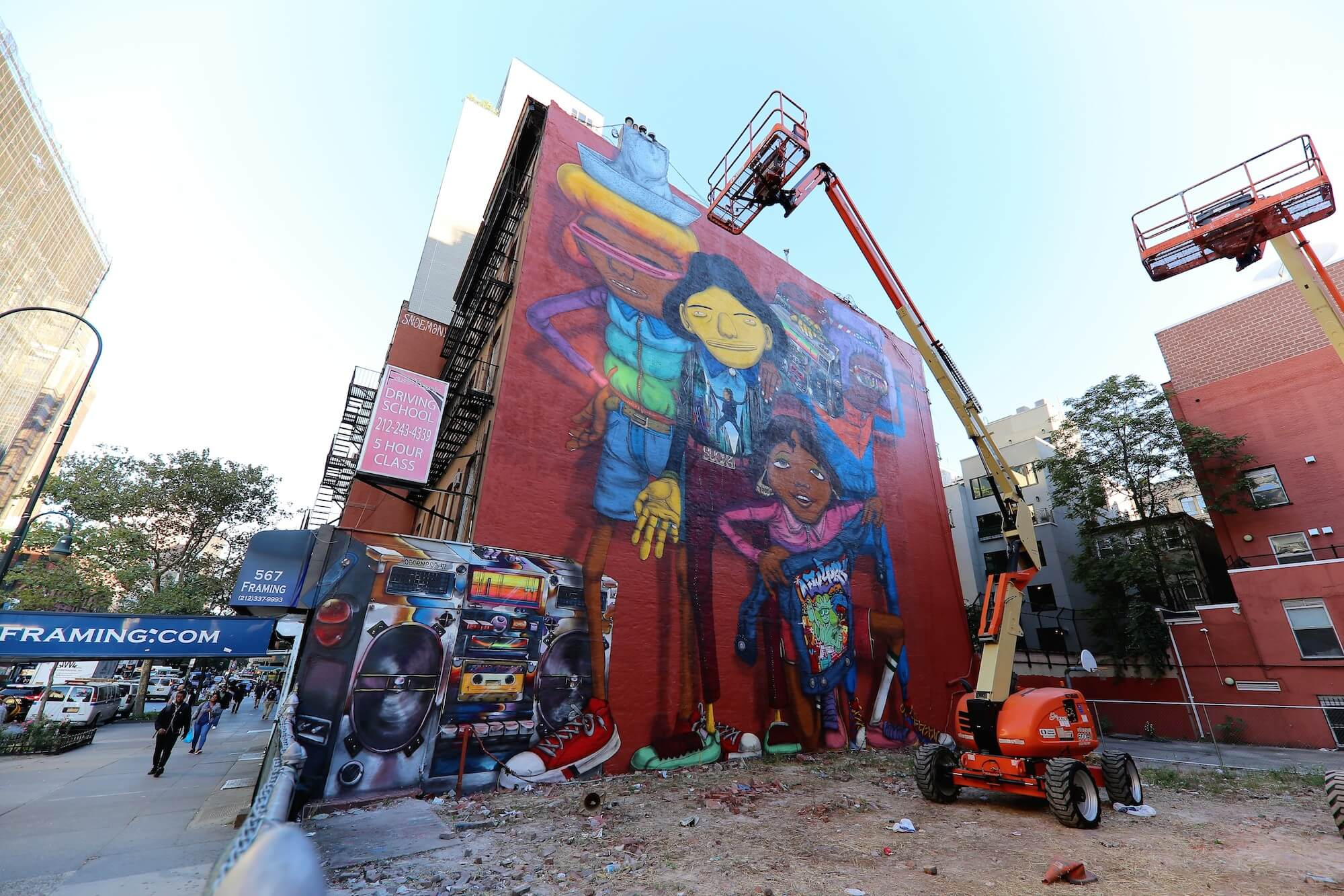 Os Gemeos Double Mural pays Tribute to Hip Hop and New York, 2017