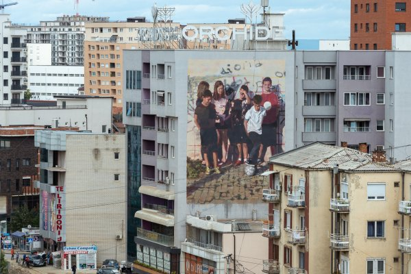 Axel Void and Helen Bur. Mural Fest Kosovo / Void Projects 2020. Photo Credit Aruallan